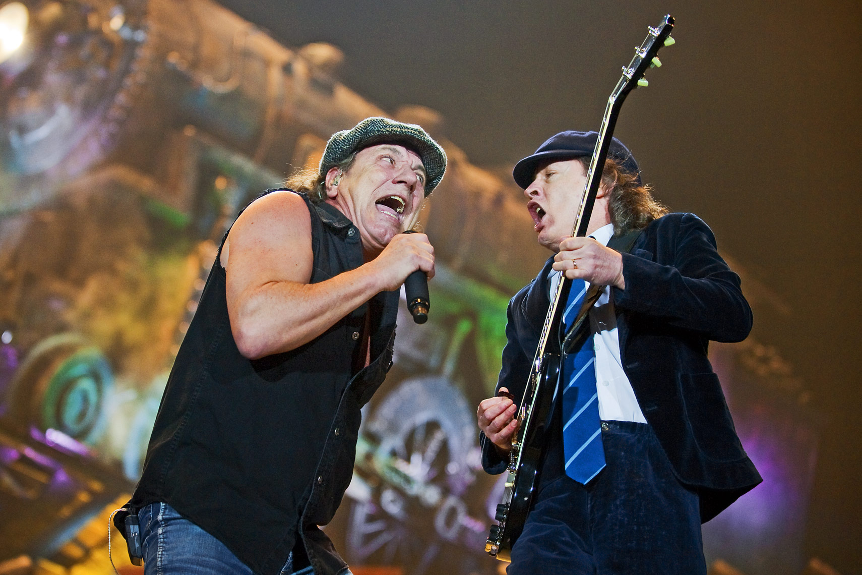 Brian-Johnson-and-Angus-Young-ACDC-O2-Arena.jpg
