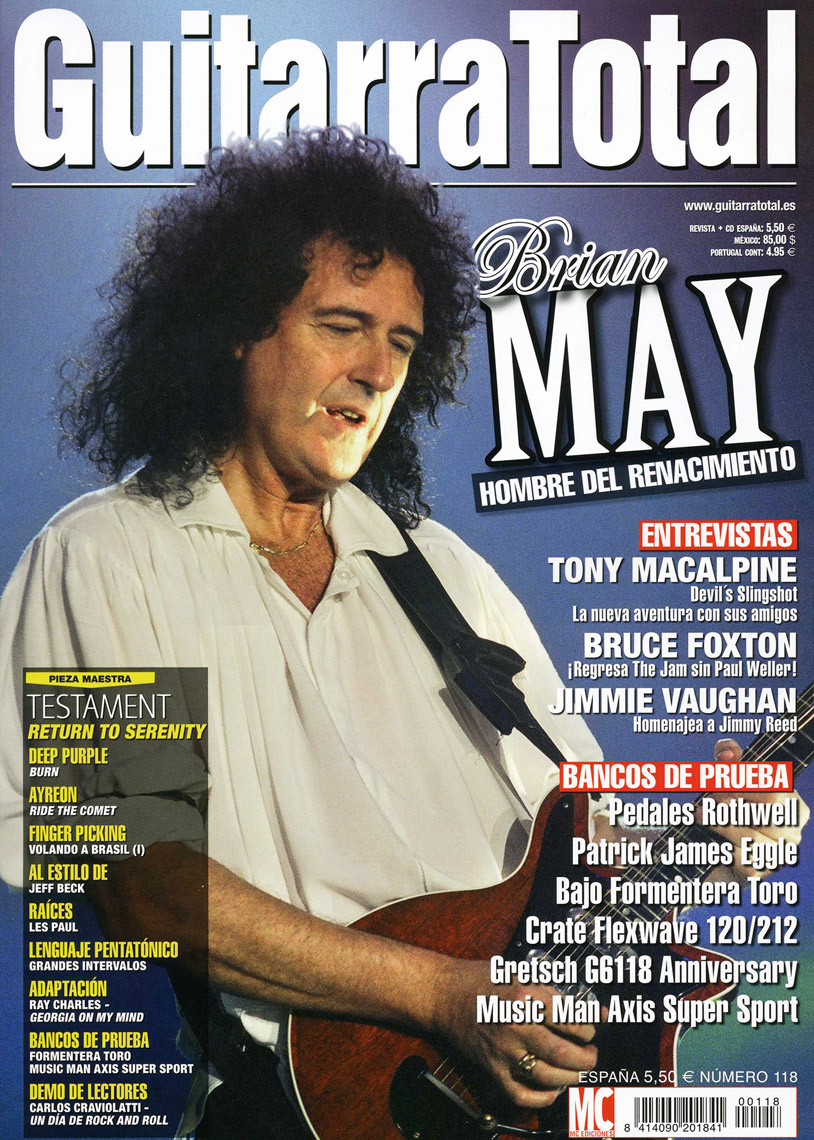 Brian-May-Guittara-Totale.jpg