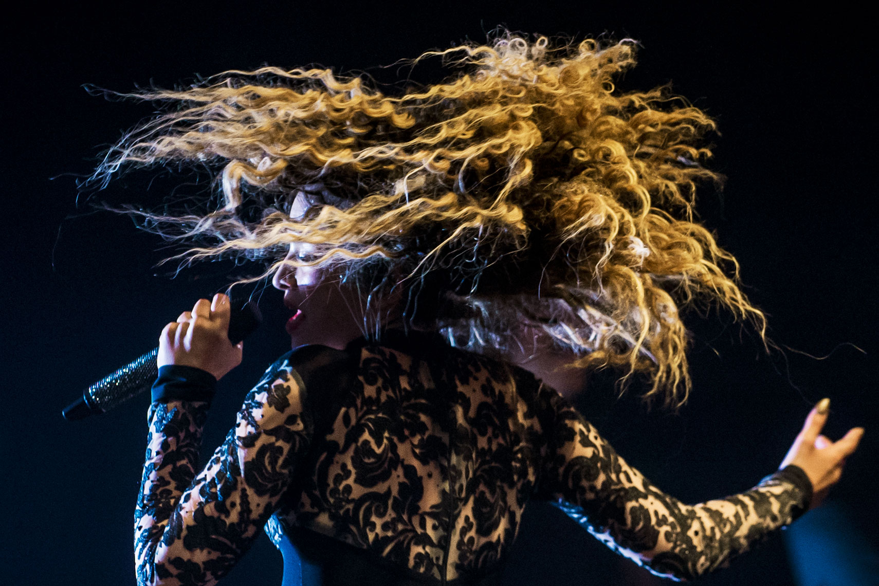 Ella-Eyre-Shepherds-Bush-Empire-10-October-2014