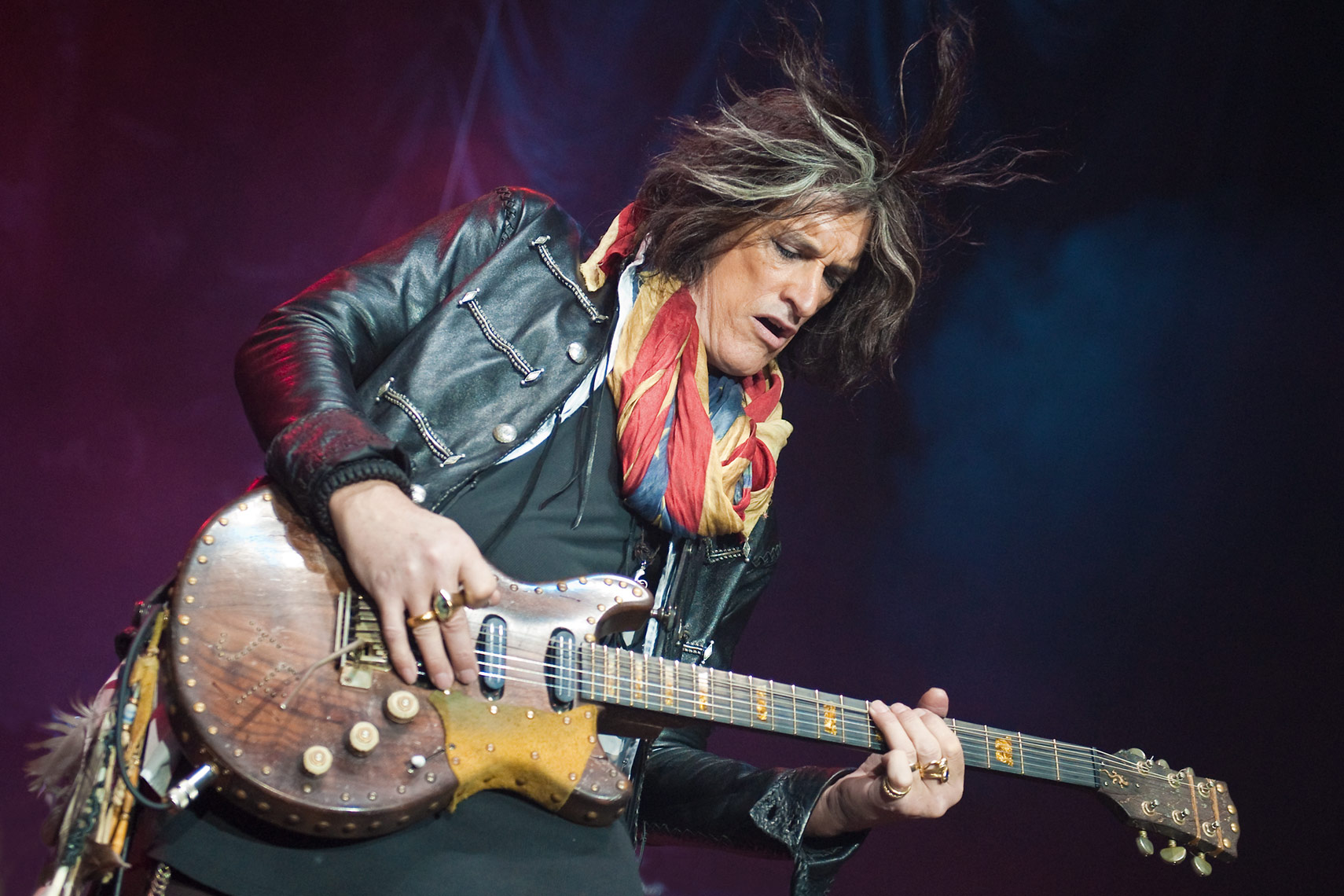 Joe-Perry-Wembley-Arena.jpg