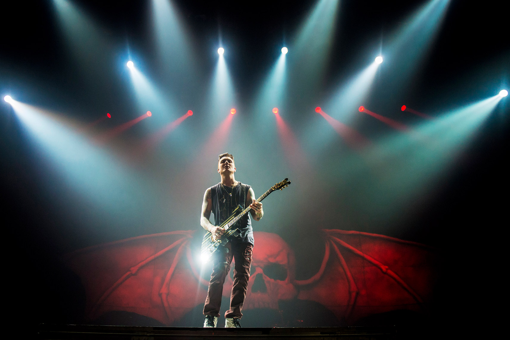 Synster-Gates-Avenged-Sevenfold-Wembley-Arena-1-December-2013.jpg