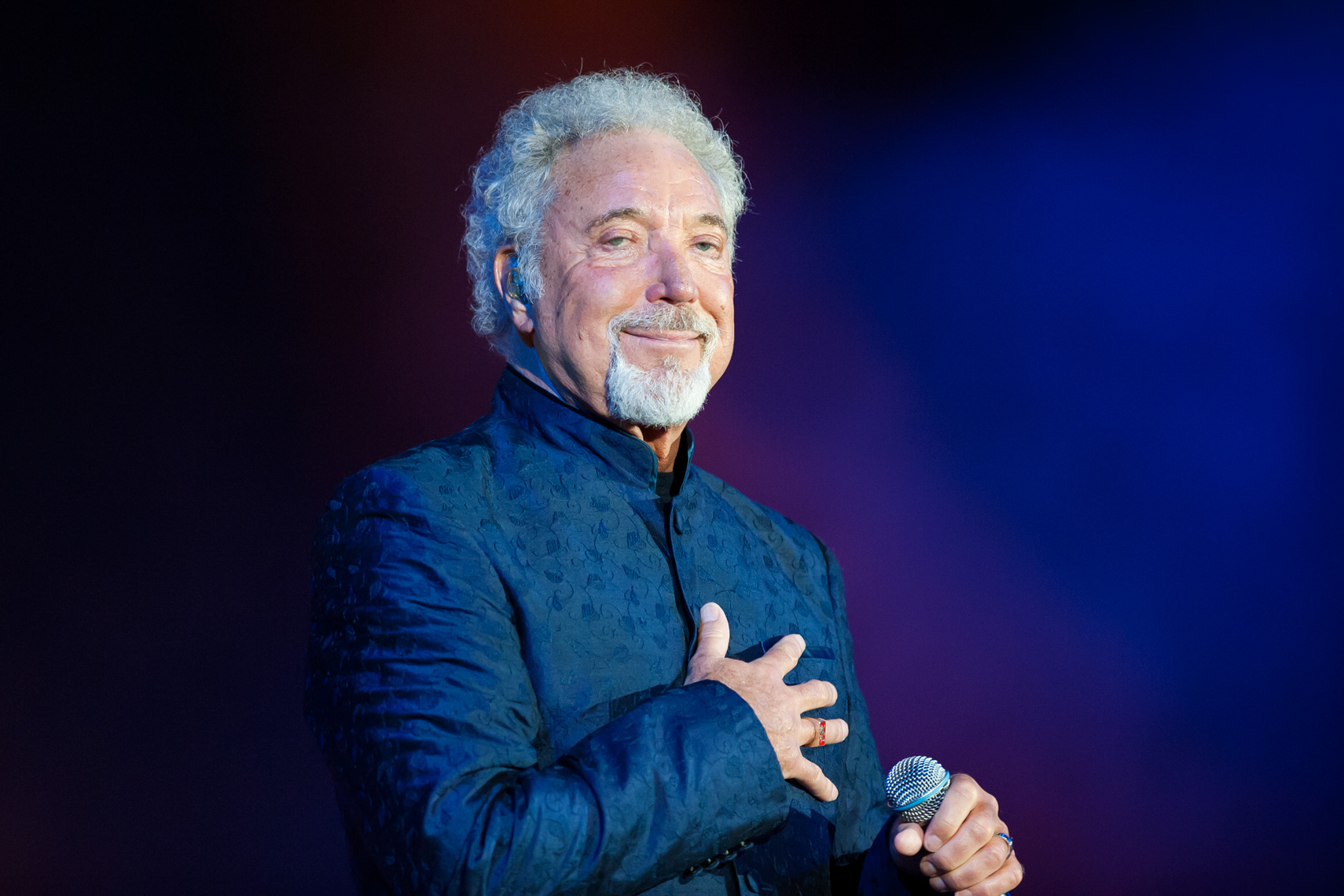 Tom-Jones-Hyde-Park.jpg